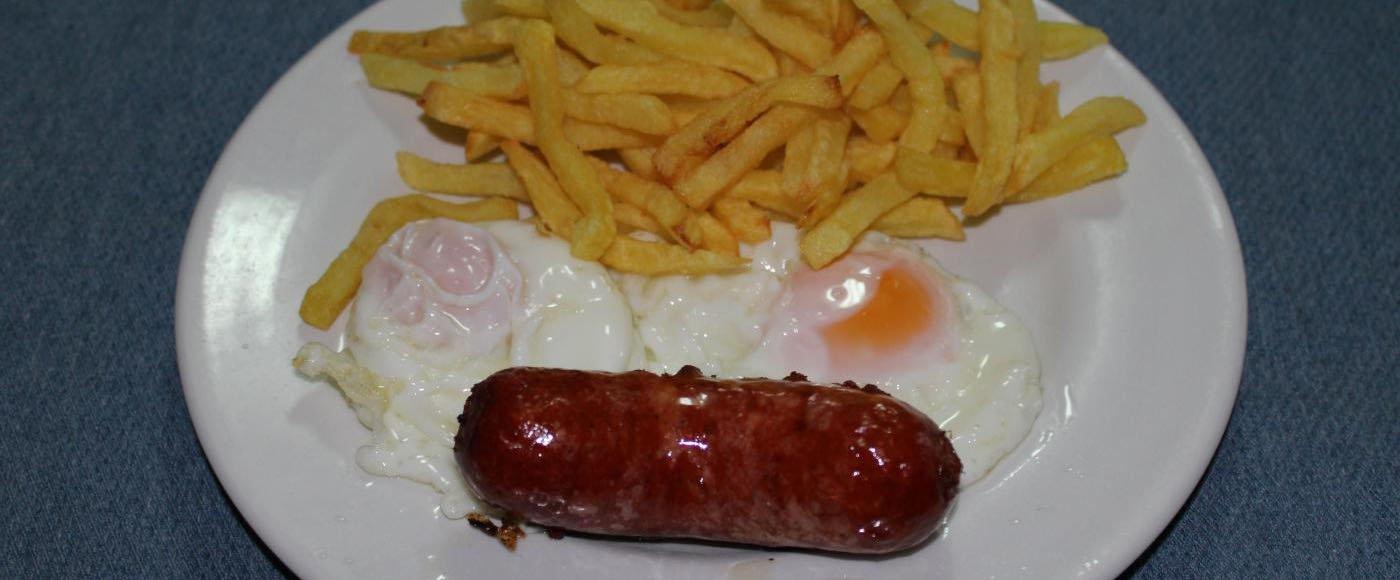 Plato de Patatas, Huevo y Chorizo Venta Salas